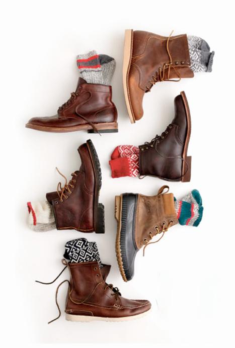 28d7cca486c2a Les chaussettes hautes qui dépassent des boots et viennent se poser sur le  jean brut de manière négligée c est   la crème anglaise chaude sur la  cerise sur ...