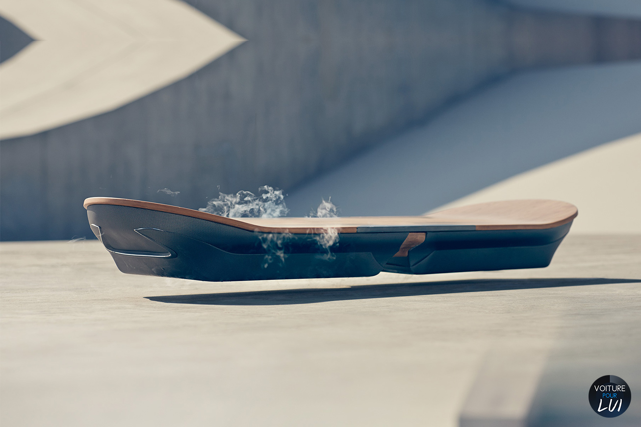 hoverboard le skateboard volant by lexus. Black Bedroom Furniture Sets. Home Design Ideas