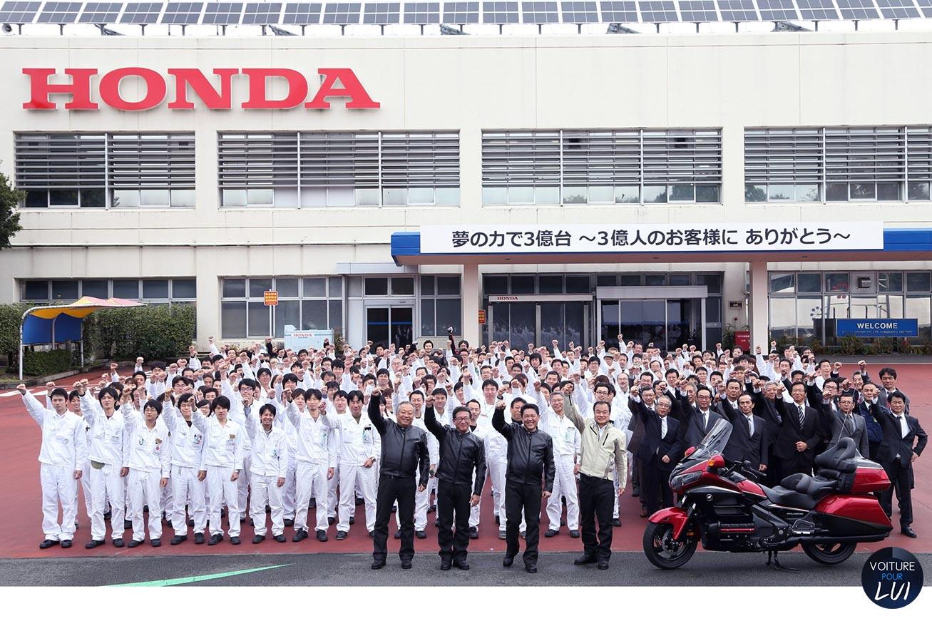 Joyeux anniversaire aujourd'hui à ... - Page 26 Honda-300-milionieme-moto