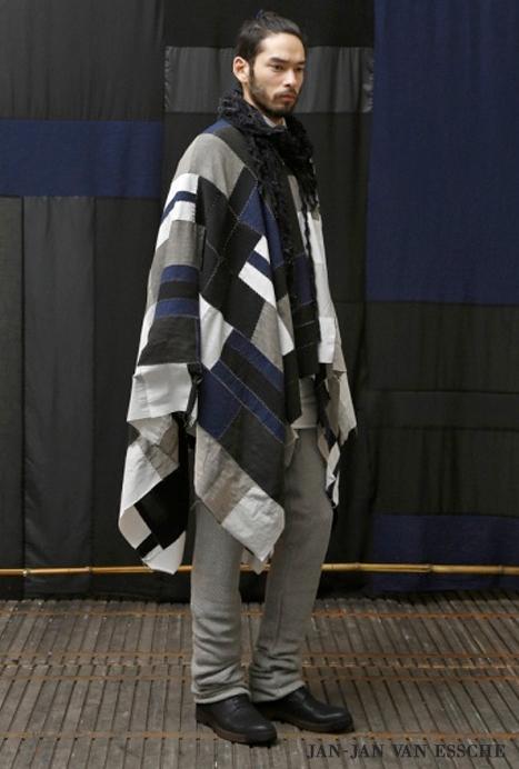 Poncho pour Homme, l atout ethno chic de l hiver – Mode masculine 2363e4f2609