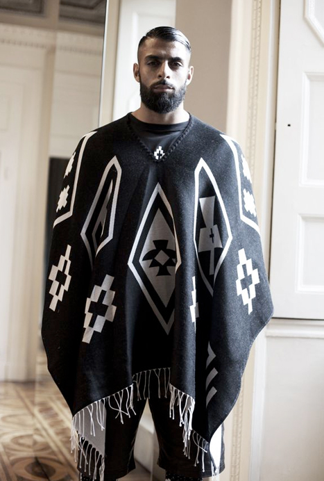 88323f892170 Poncho hiver homme - croix saint julien