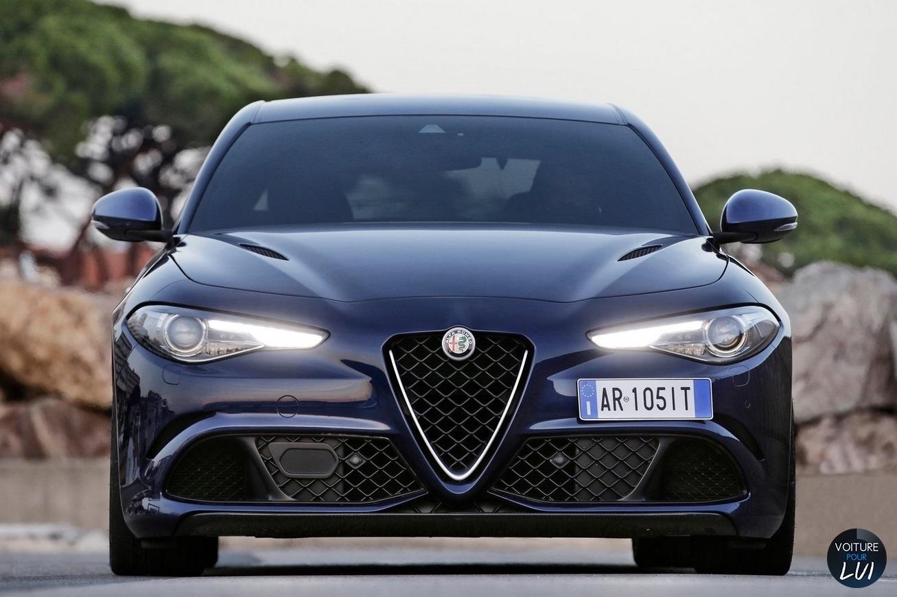 2019 - [BMW] Concept 4 - Page 3 Alfa_Romeo_Giulia_Quadrifoglio_2016_055_bleu_avant_face_feux_phares