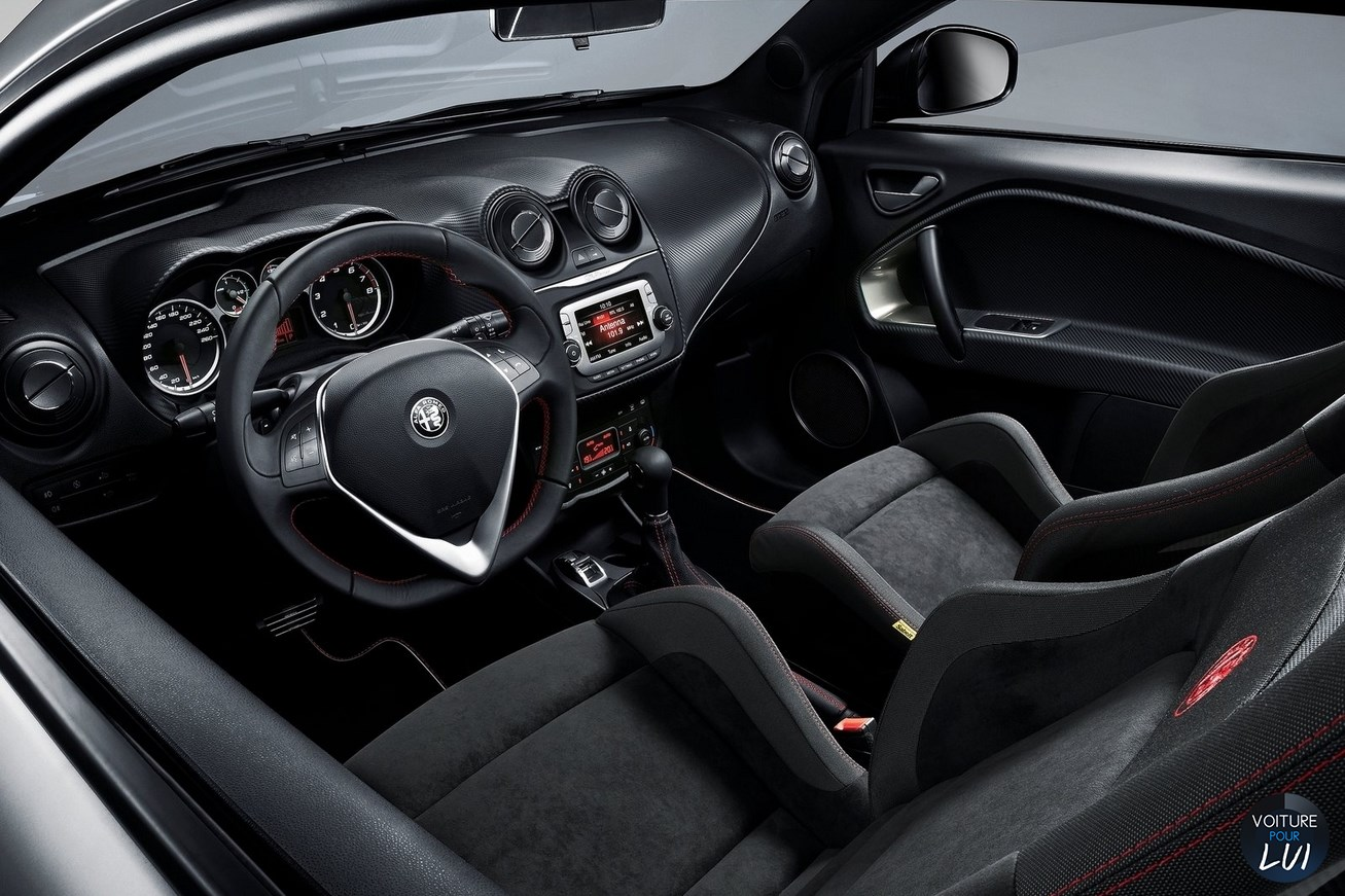 Alfa-Romeo  MITO 2017    http://www.voiturepourlui.com/images/Alfa-Romeo//Interieur/Alfa_Romeo_MiTo_2017_001.jpg