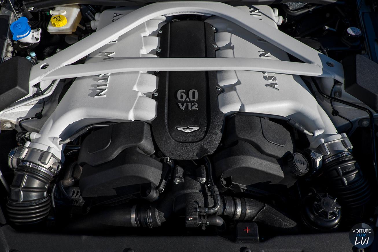 Aston-Martin  VANQUISH 2015    http://www.voiturepourlui.com/images/Aston-Martin//Interieur/Aston_Martin_Vanquish_2015_009_moteur.jpg