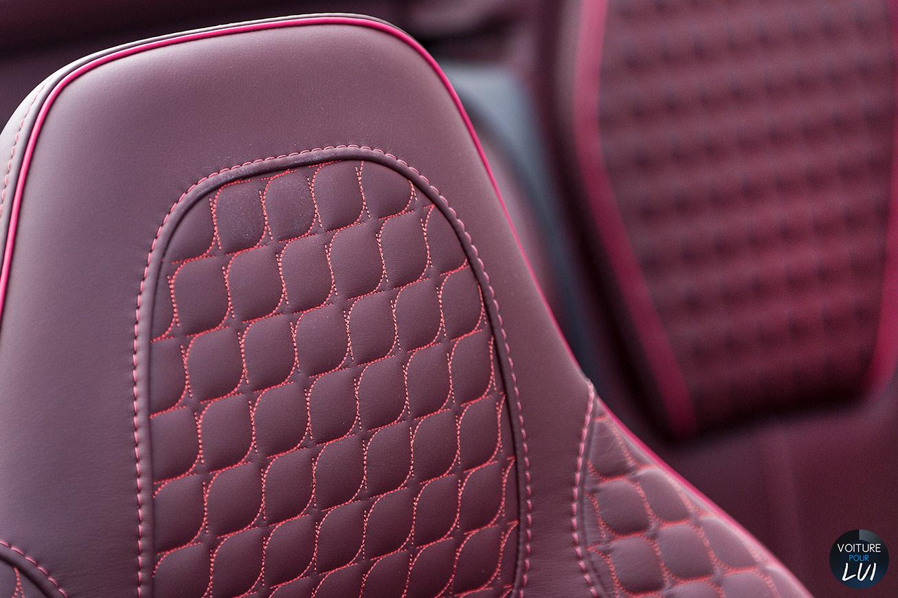 Aston-Martin  VANQUISH VOLANTE 2015    http://www.voiturepourlui.com/images/Aston-Martin//Interieur/Aston_Martin_Vanquish_Volante_2015_002.jpg