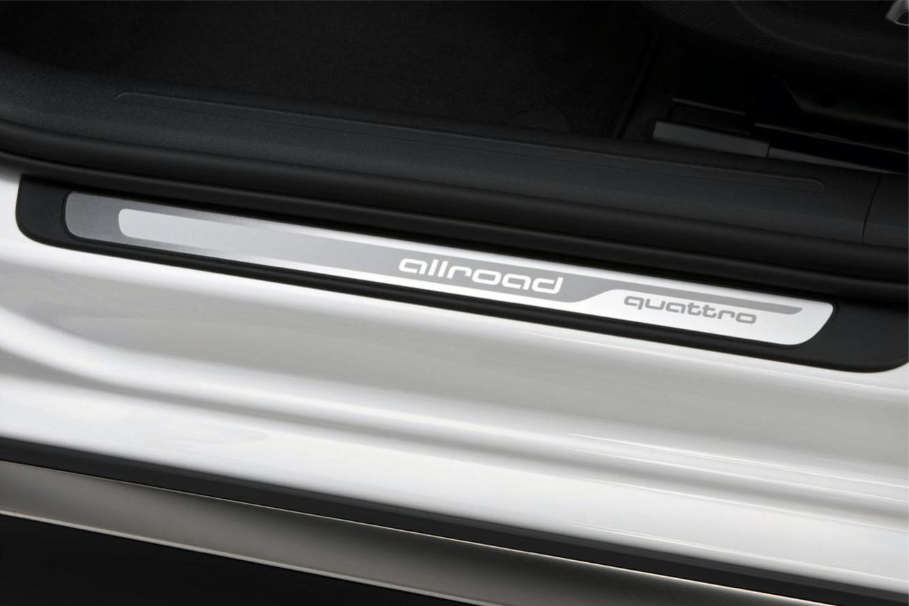 Audi  A4 ALLROAD QUATTRO    http://www.voiturepourlui.com/images/Audi//Interieur/Audi_A4_Allroad_Quattro_507.jpg