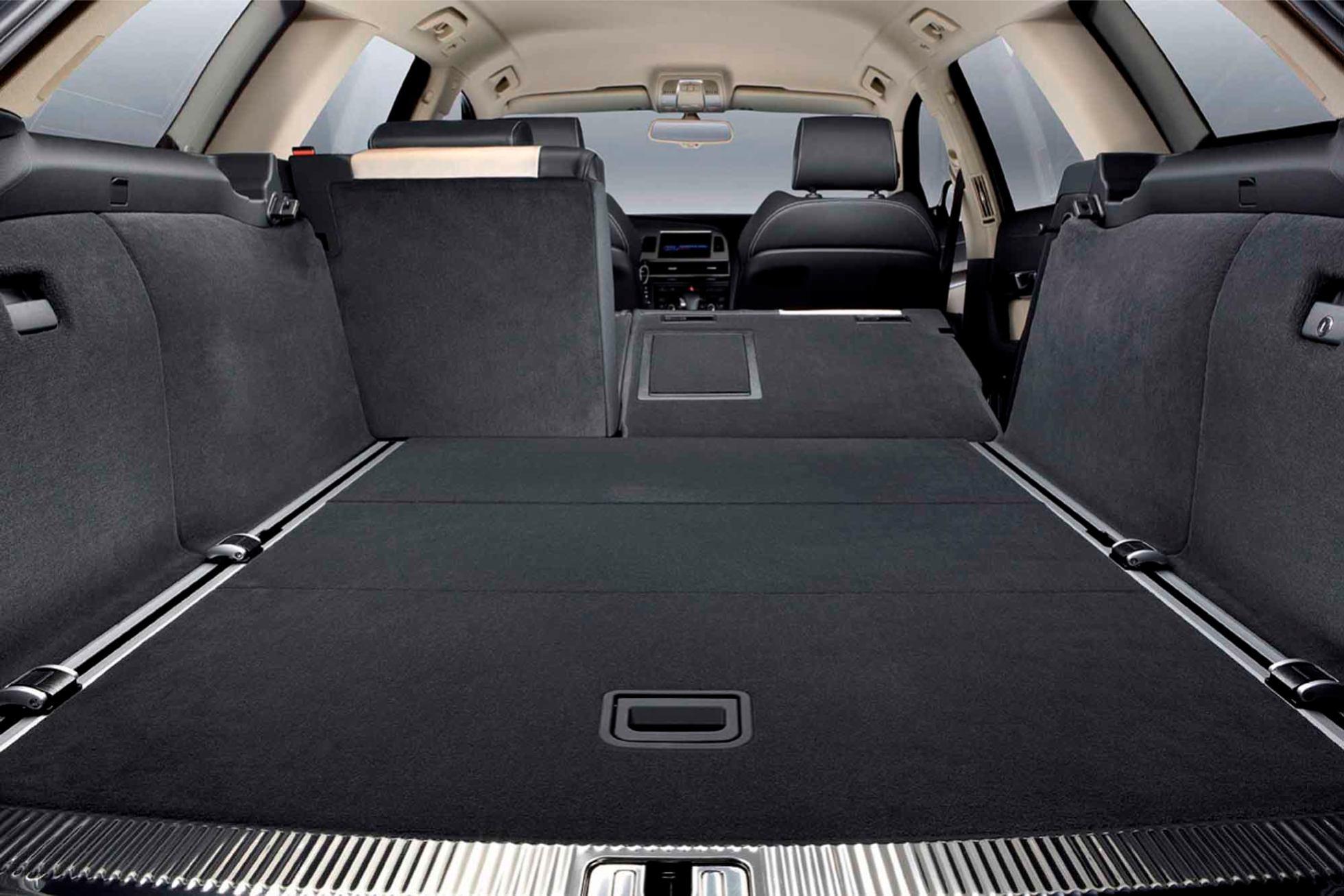 Audi  A6 AVANT 2009    http://www.voiturepourlui.com/images/Audi//Interieur/Audi_A6_Avant_2009_511.jpg