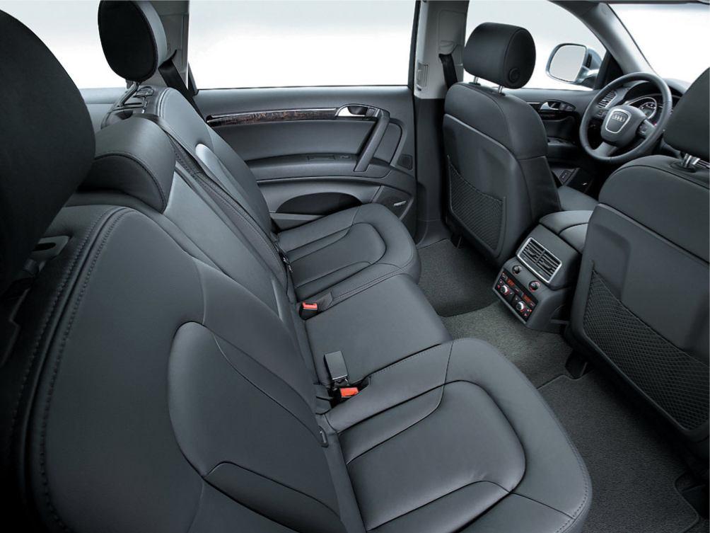 http://www.voiturepourlui.com/images/Audi/Q7/Interieur/Audi_Q7_014.jpg