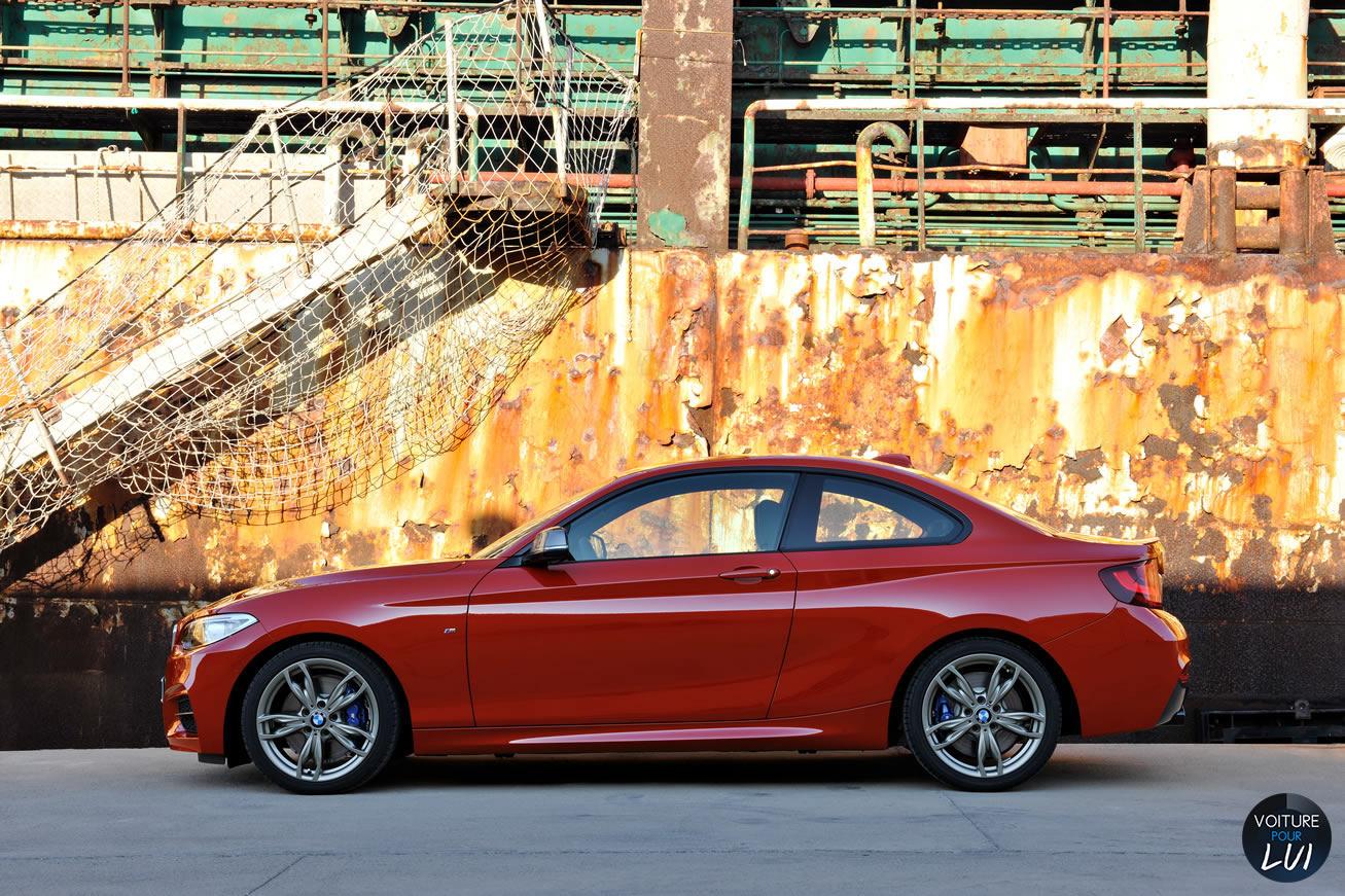 Bmw  SERIE 2 COUPE    http://www.voiturepourlui.com/images/Bmw//Exterieur/Bmw_Serie_2_Coupe_002.jpg