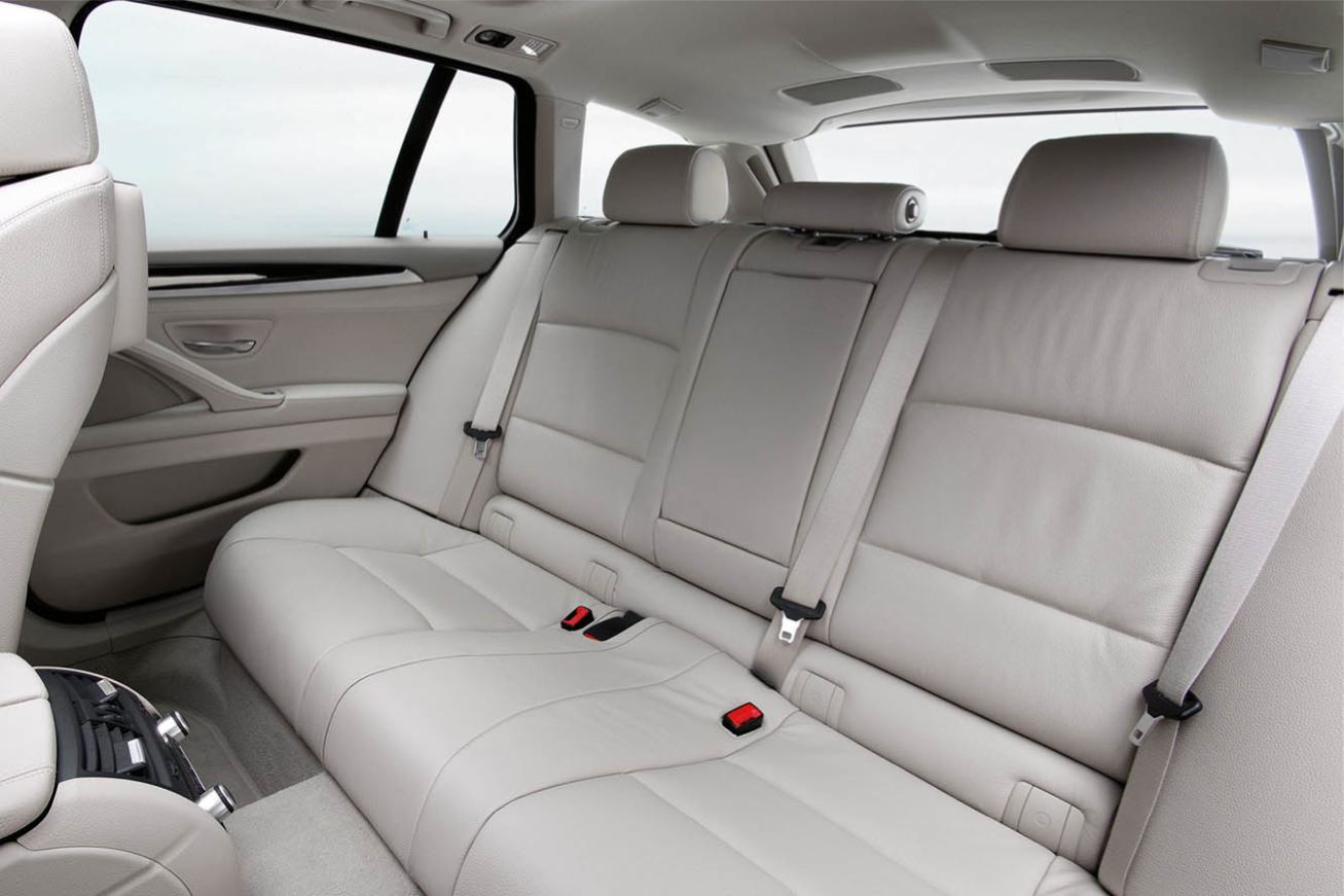 Bmw  SERIE 5 TOURING    http://www.voiturepourlui.com/images/Bmw//Interieur/Bmw_Serie_5_Touring_504.jpg