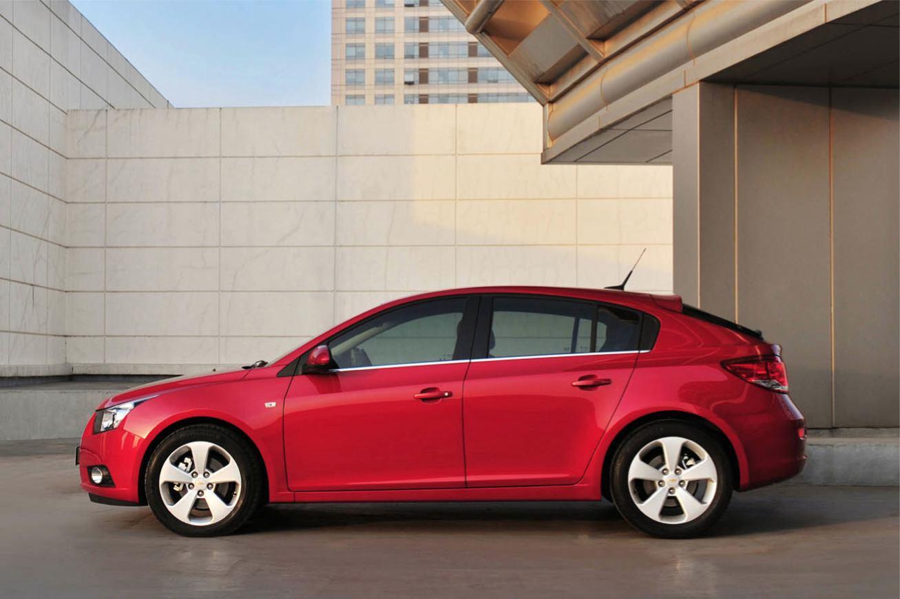 Chevrolet Cruze-Hatchback photo