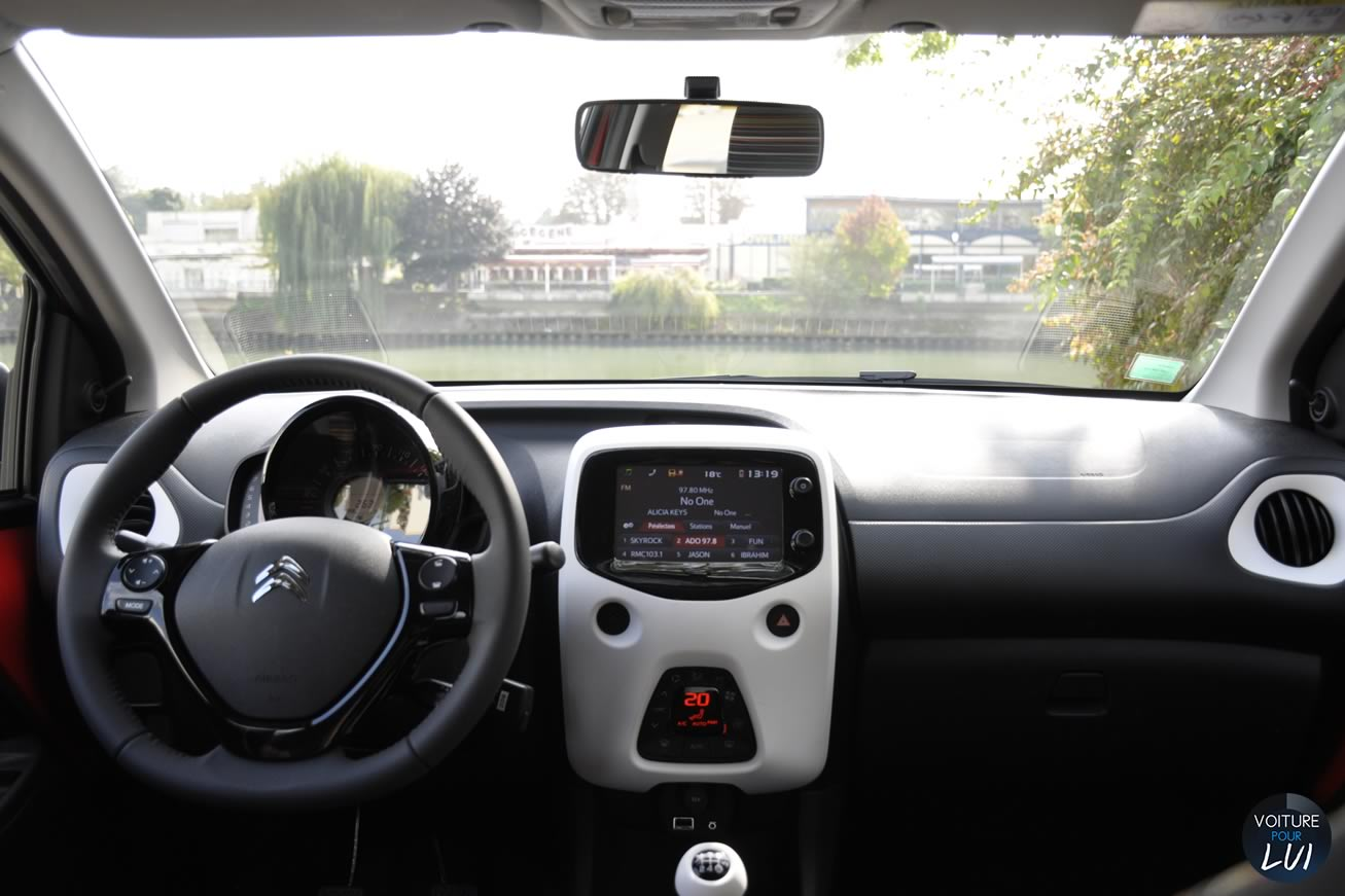 interieur c1 excellent citroen c with interieur c1 excellent synthse de vos avis sur la vie. Black Bedroom Furniture Sets. Home Design Ideas
