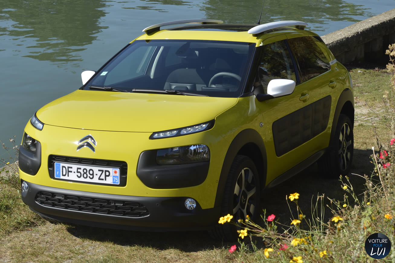 citroen c4 cactus 2015 puretech 2015 voiture pour lui. Black Bedroom Furniture Sets. Home Design Ideas