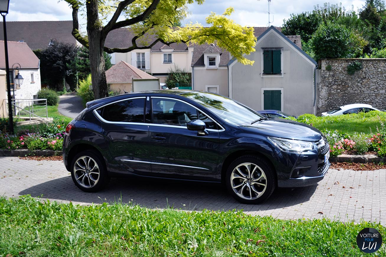 Citroen  DS4 SO CHIC    http://www.voiturepourlui.com/images/Citroen//Exterieur/Citroen_DS4_SO_CHIC_002.jpg