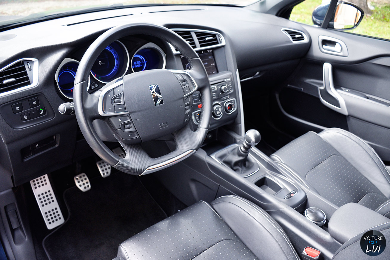 Essai citro n ds4 hdi 135 so chic for Interieur sport