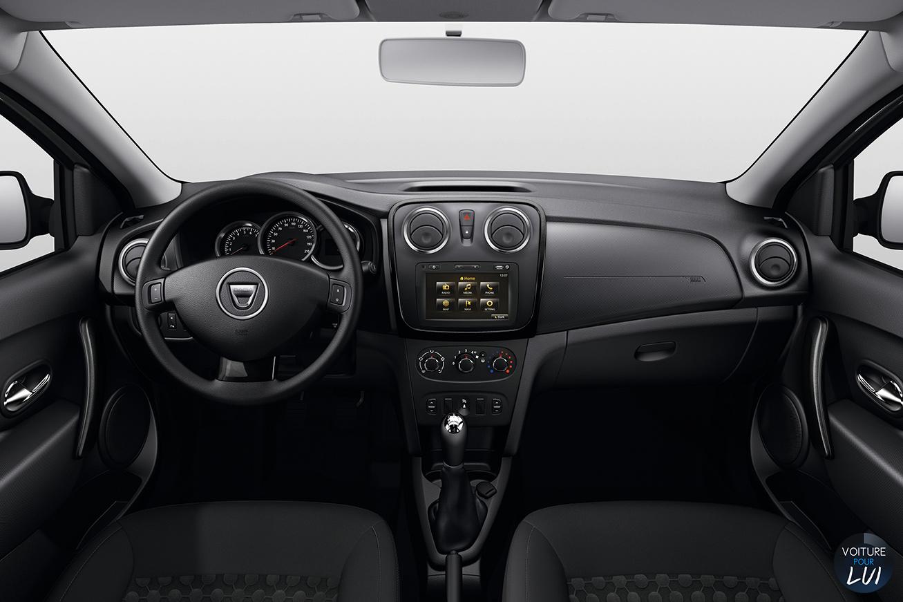 Dacia sandero black touch 2015 voiture pour lui for Interieur dacia sandero