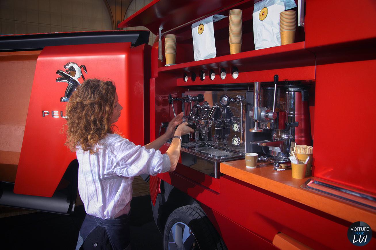 Evenement  PEUGEOT FOODTRUCK    http://www.voiturepourlui.com/images/Evenement//Exterieur/Evenement_Peugeot_Foodtruck_015.jpg