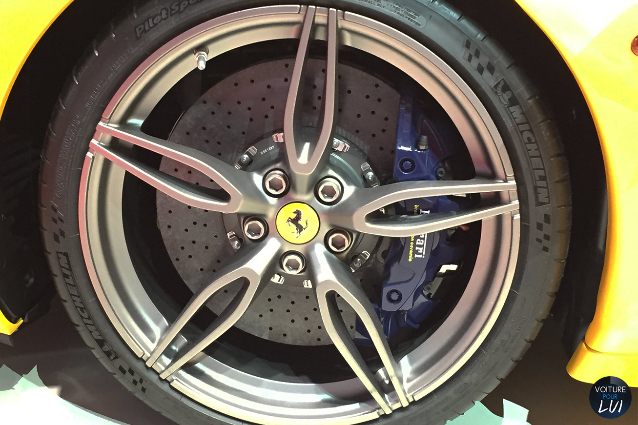 Ferrari  458 SPECIALE A MONDIAL AUTO 2014   Jante  http://www.voiturepourlui.com/images/Ferrari//Exterieur/Ferrari_458_Speciale_A_Mondial_Auto_2014_015_jante.jpg