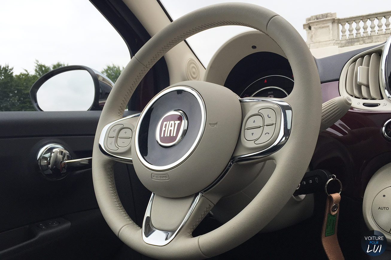 Photo fiat 500 2015 essai for Fiat 500 interieur