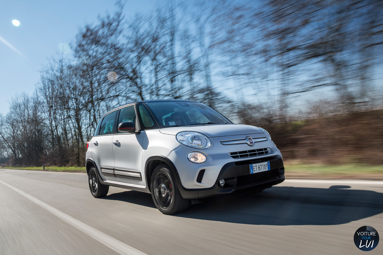Fiat  500L BEATS EDITION   Route  http://www.voiturepourlui.com/images/Fiat//Exterieur/Fiat_500L_Beats_Edition_007_route.jpg