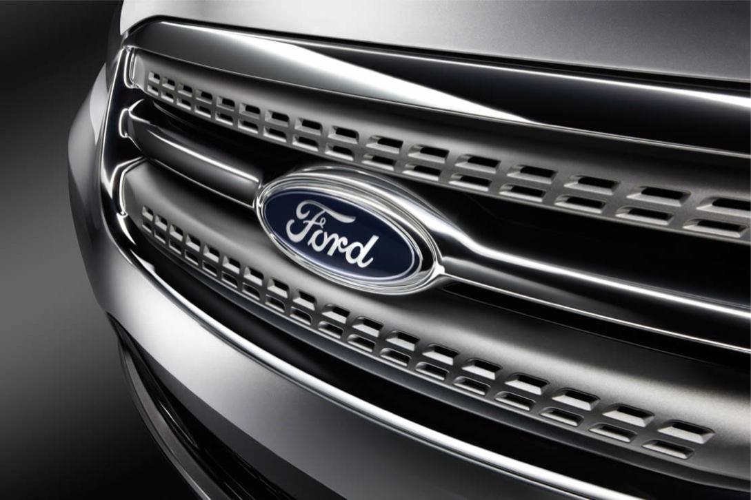 Ford  TAURUS 2010    http://www.voiturepourlui.com/images/Ford//Exterieur/Ford_Taurus_2010_011.jpg