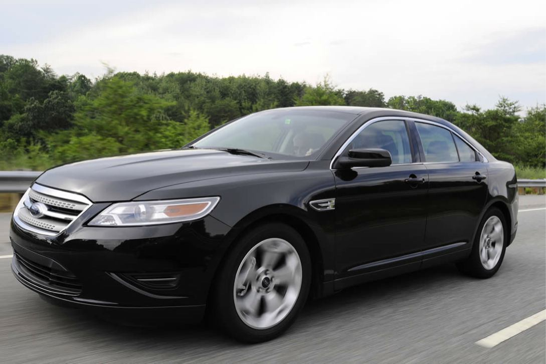 Ford  TAURUS 2010    http://www.voiturepourlui.com/images/Ford//Exterieur/Ford_Taurus_2010_032.jpg