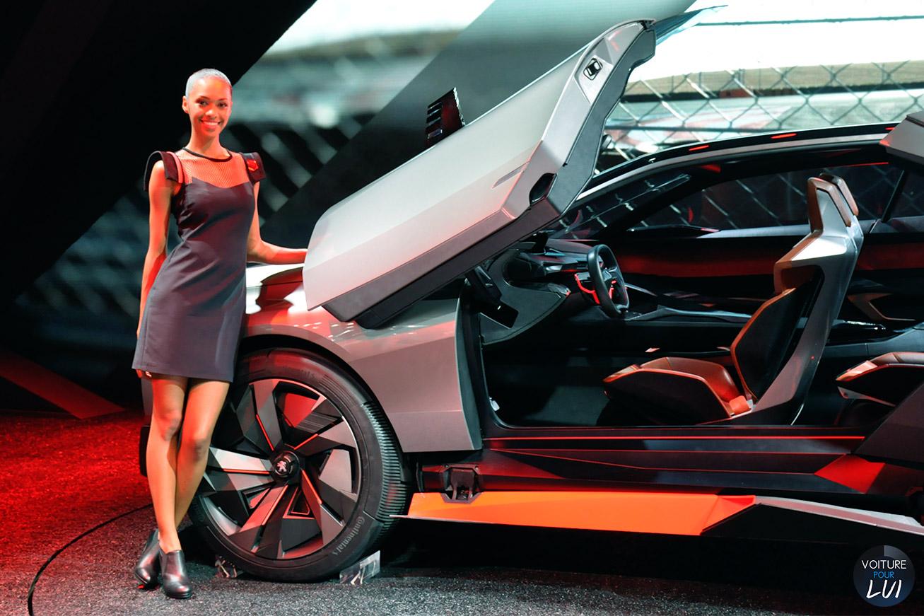 Hotesse  FILLE MONDIAL AUTO 2014   Peugeot  http://www.voiturepourlui.com/images/Hotesse//Exterieur/Hotesse_Fille_Mondial_Auto_2014_006_peugeot.jpg