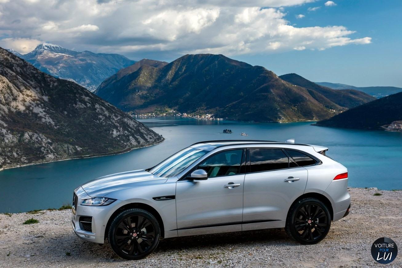 Jaguar f pace 2017 gris cote profil for Interieur jaguar f pace