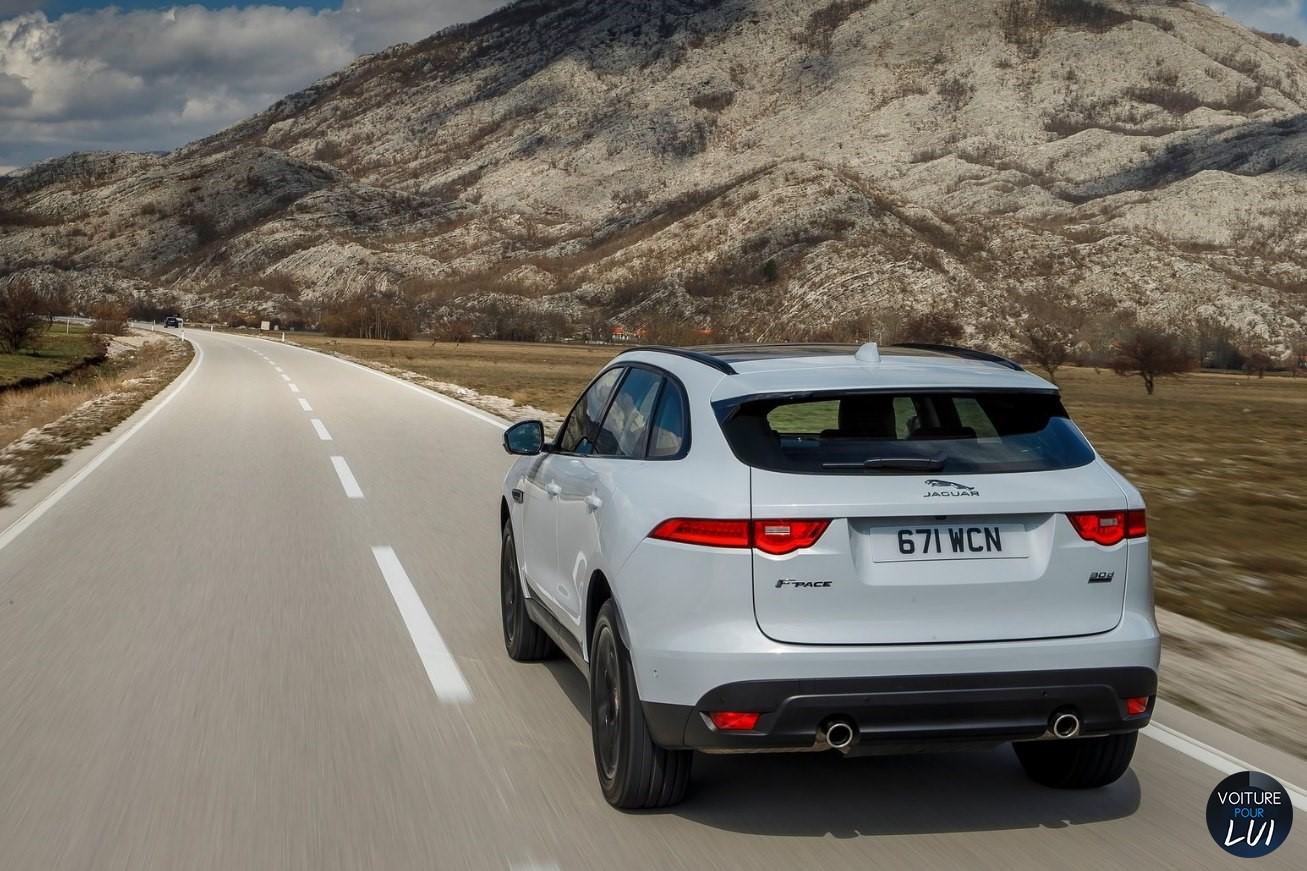 Jaguar f pace 2017 gris arriere gauche phares for Interieur jaguar f pace