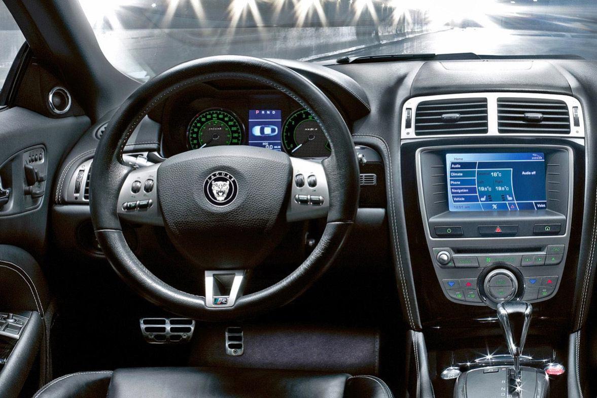 Jaguar  XKR S    http://www.voiturepourlui.com/images/Jaguar//Interieur/Jaguar_XKR_S_501.jpg