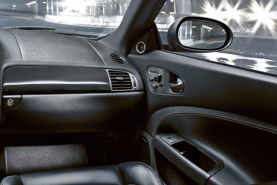 Jaguar  XKR S    http://www.voiturepourlui.com/images/Jaguar//Interieur/Jaguar_XKR_S_502.jpg