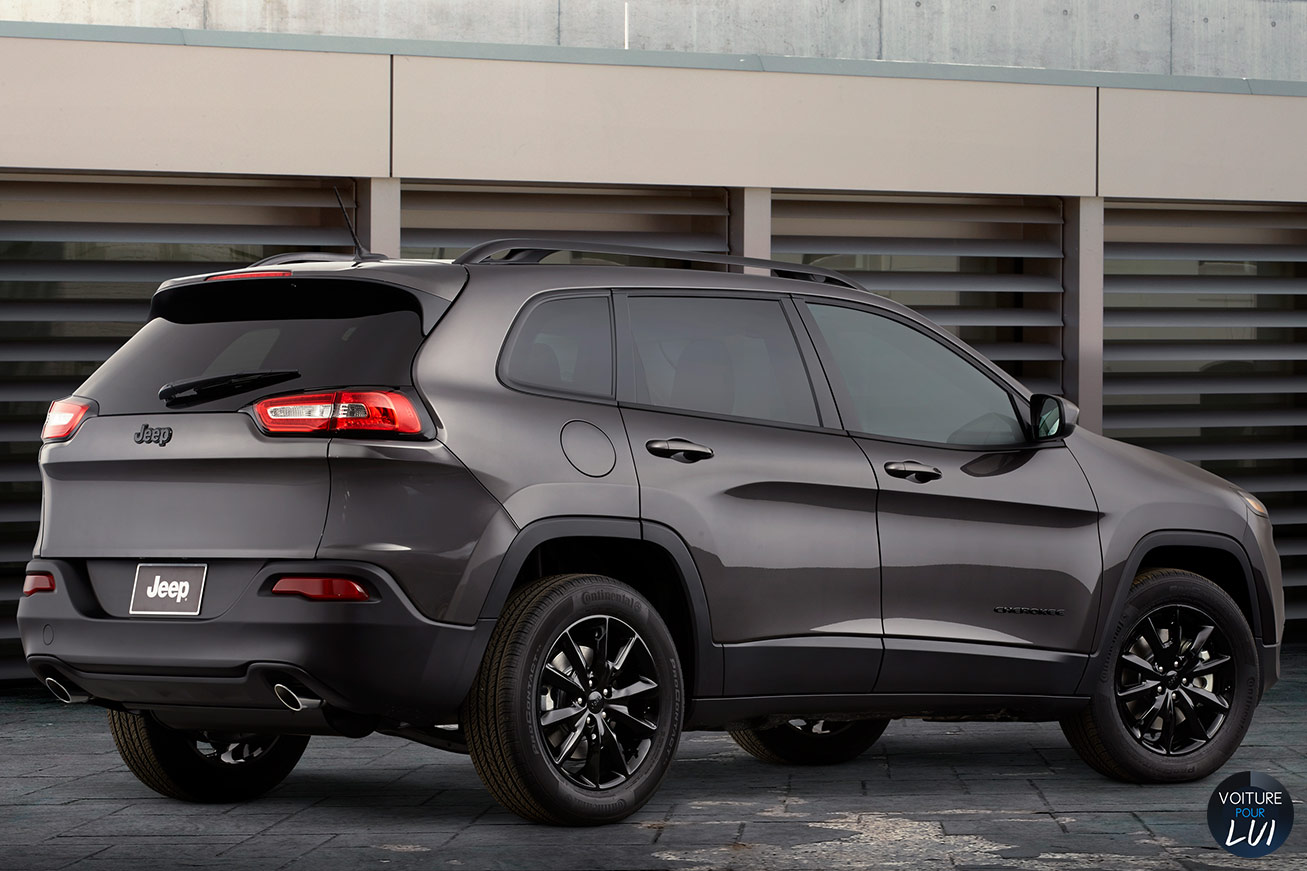 Jeep  CHEROKEE 2014   Gris Anthracite  http://www.voiturepourlui.com/images/Jeep//Exterieur/Jeep_Cherokee_2014_008_gris_anthracite.jpg