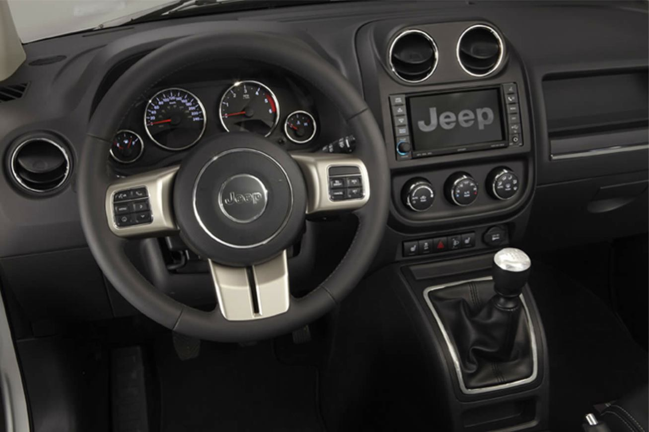 Jeep compass 2011 jeep compass 2011 009 for Interieur jeep compass