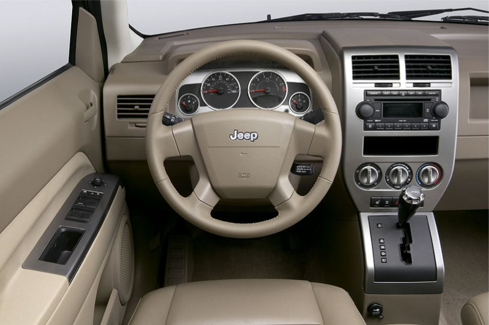 Photos jeep compass 2007 numero 16 for Interieur jeep compass
