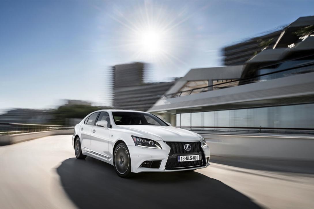 Nouvelle photo : LexusLS-F-Sport