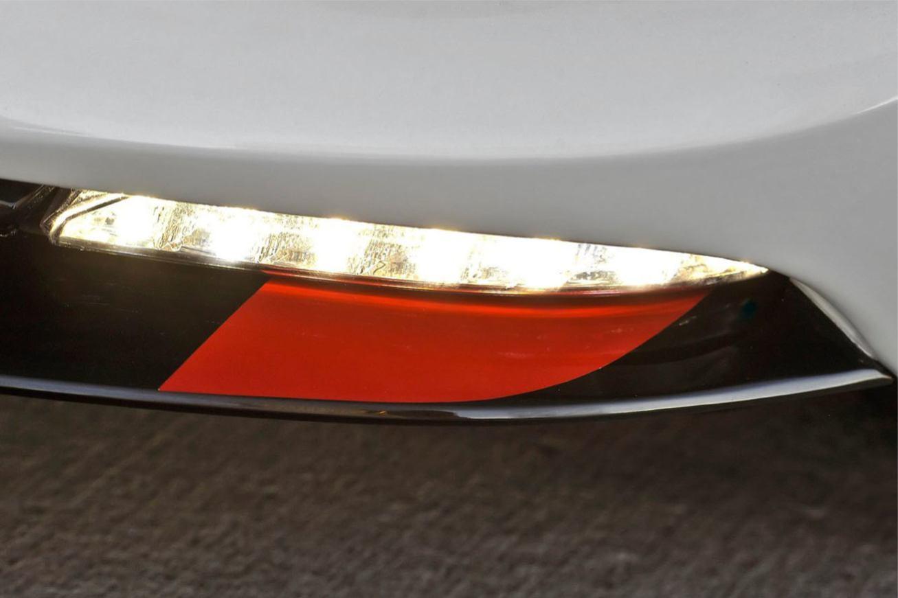 Mazda  MX5 SPYDER    http://www.voiturepourlui.com/images/Mazda//Exterieur/Mazda_MX5_Spyder_010.jpg