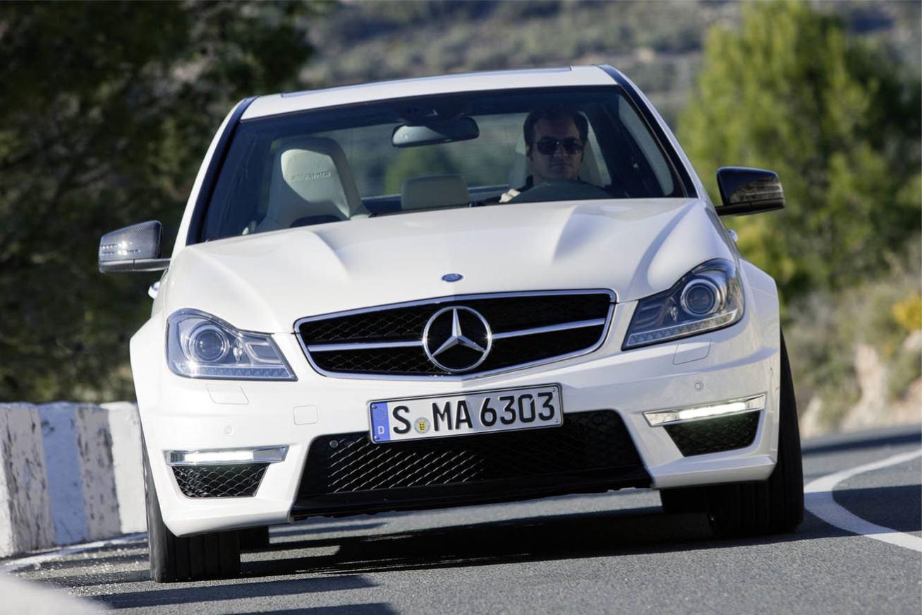 Mercedes C63 AMG 2011