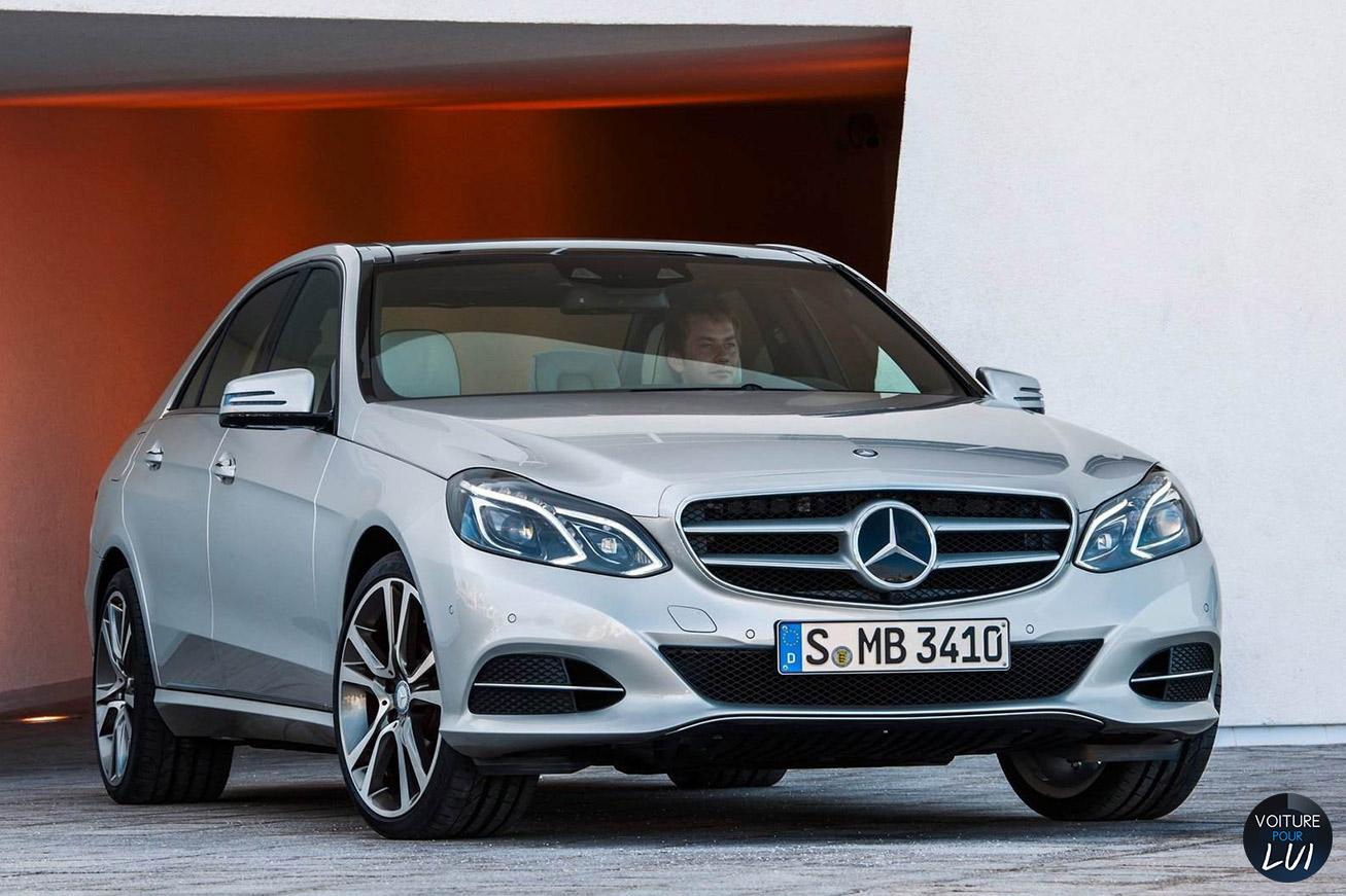 Mercedes  CLASSE E 2014   Calandre  http://www.voiturepourlui.com/images/Mercedes//Exterieur/Mercedes_Classe_E_2014_018_calandre.jpg