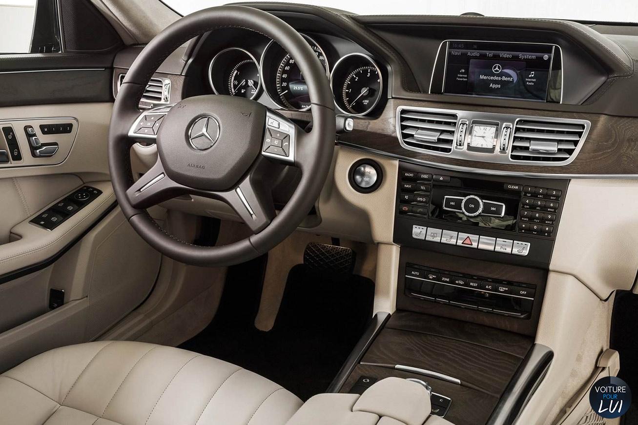 Mercedes  CLASSE E 2014    http://www.voiturepourlui.com/images/Mercedes//Interieur/Mercedes_Classe_E_2014_004_interieur.jpg