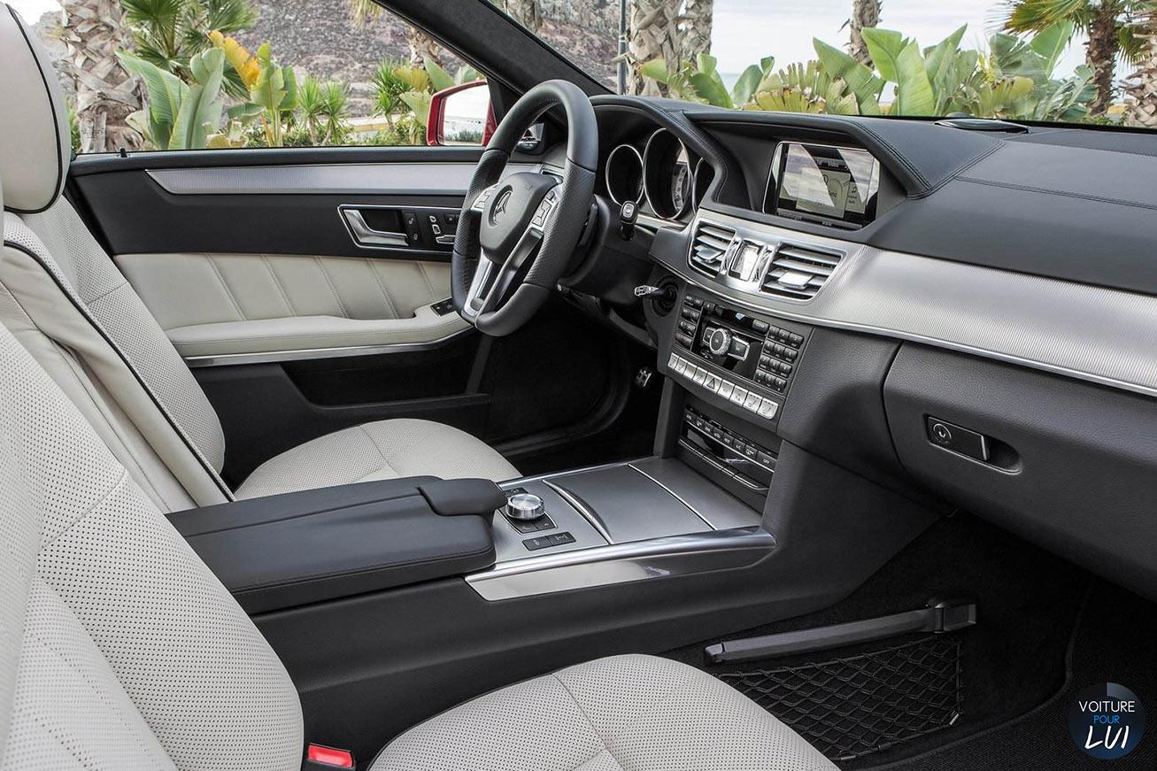 Mercedes  CLASSE E 2014    http://www.voiturepourlui.com/images/Mercedes//Interieur/Mercedes_Classe_E_2014_012_interieur.jpg