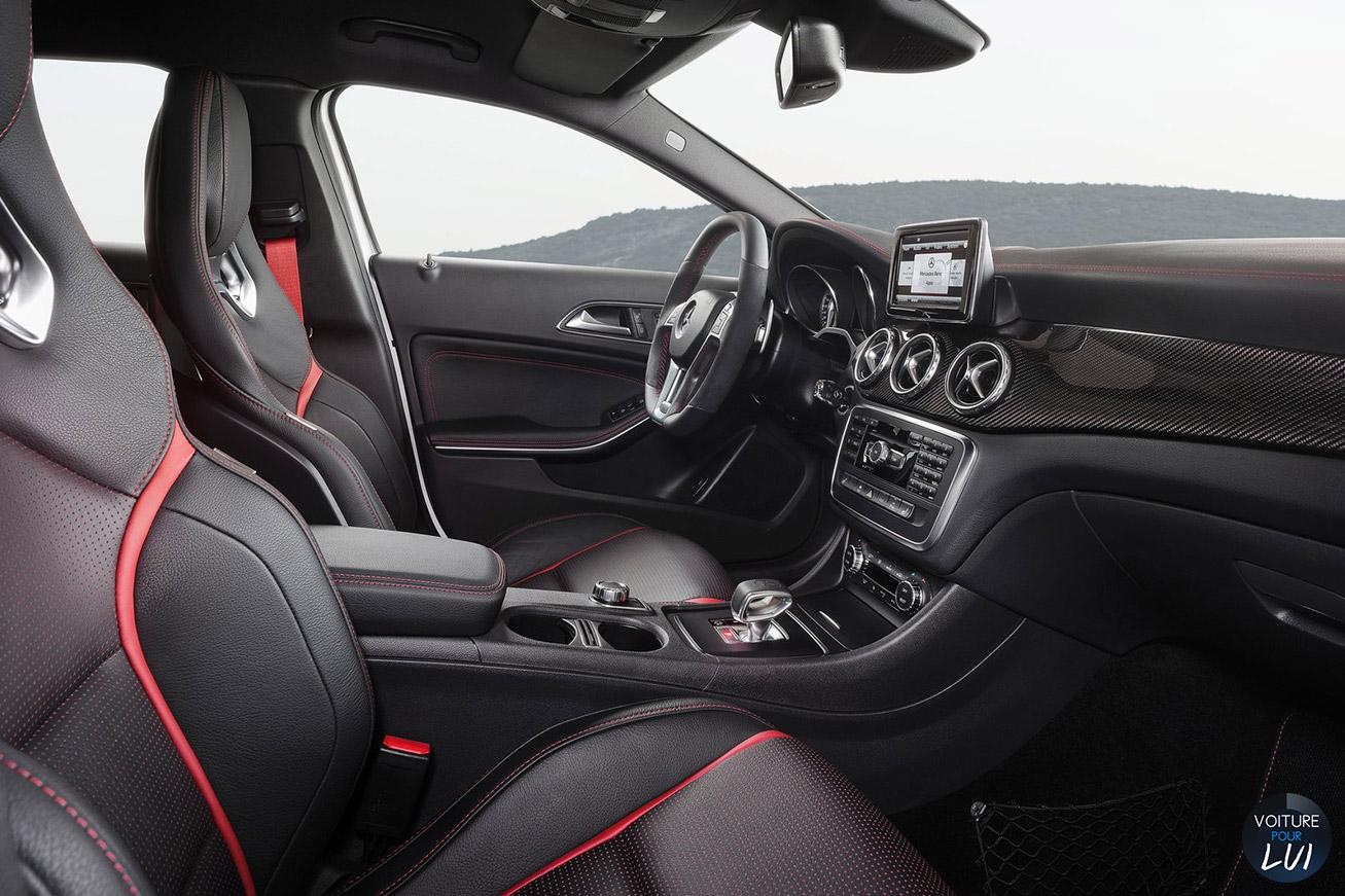 Mercedes GLA45 AMG 2015