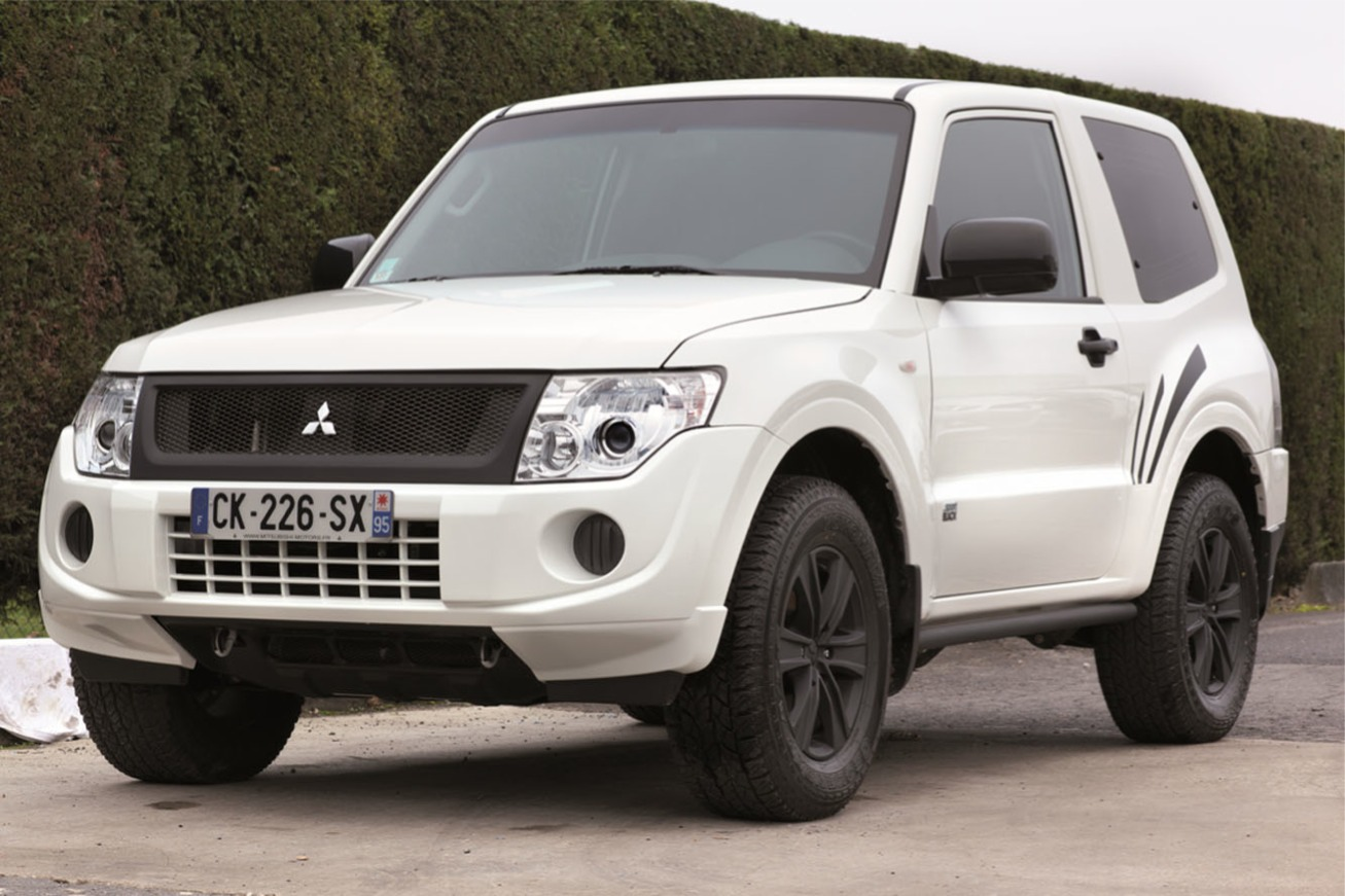 Nouvelle photo : MitsubishiPajero-Sport-Black