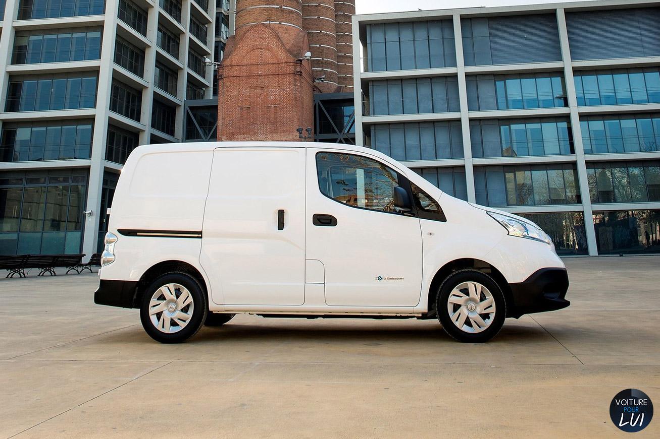 Nissan  E NV200    http://www.voiturepourlui.com/images/Nissan//Exterieur/Nissan_e_NV200_012.jpg