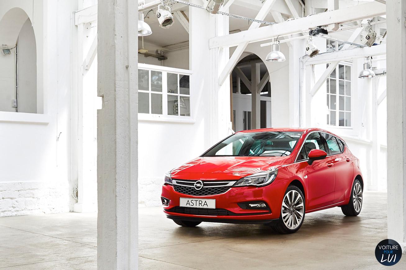 Opel Astra-2015