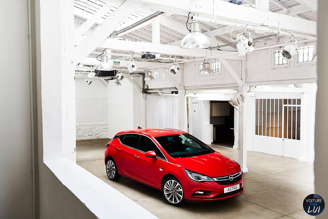 Opel  ASTRA 2015    http://www.voiturepourlui.com/images/Opel//Exterieur/Opel_Astra_2015_002.jpg