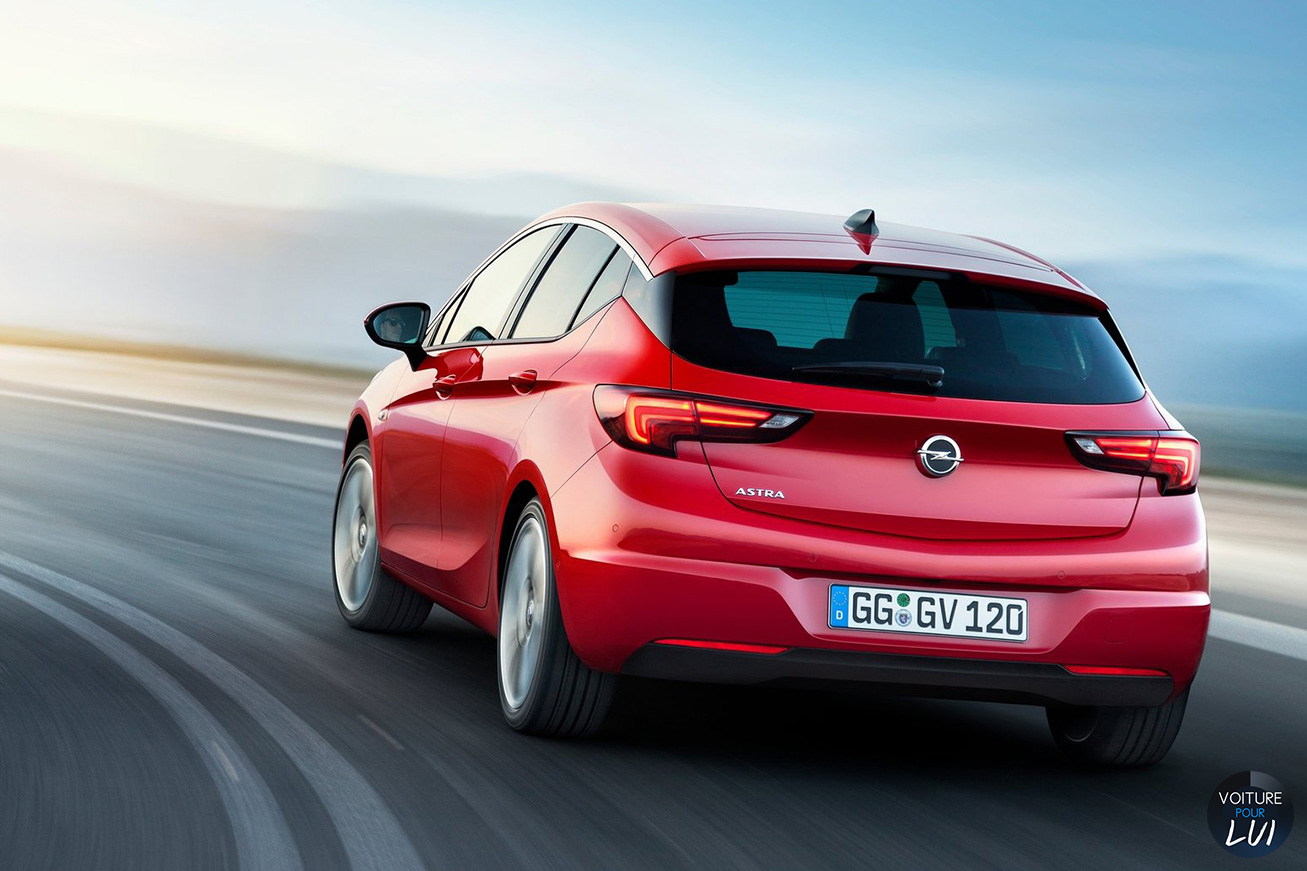 Opel  ASTRA 2015    http://www.voiturepourlui.com/images/Opel//Exterieur/Opel_Astra_2015_015.jpg