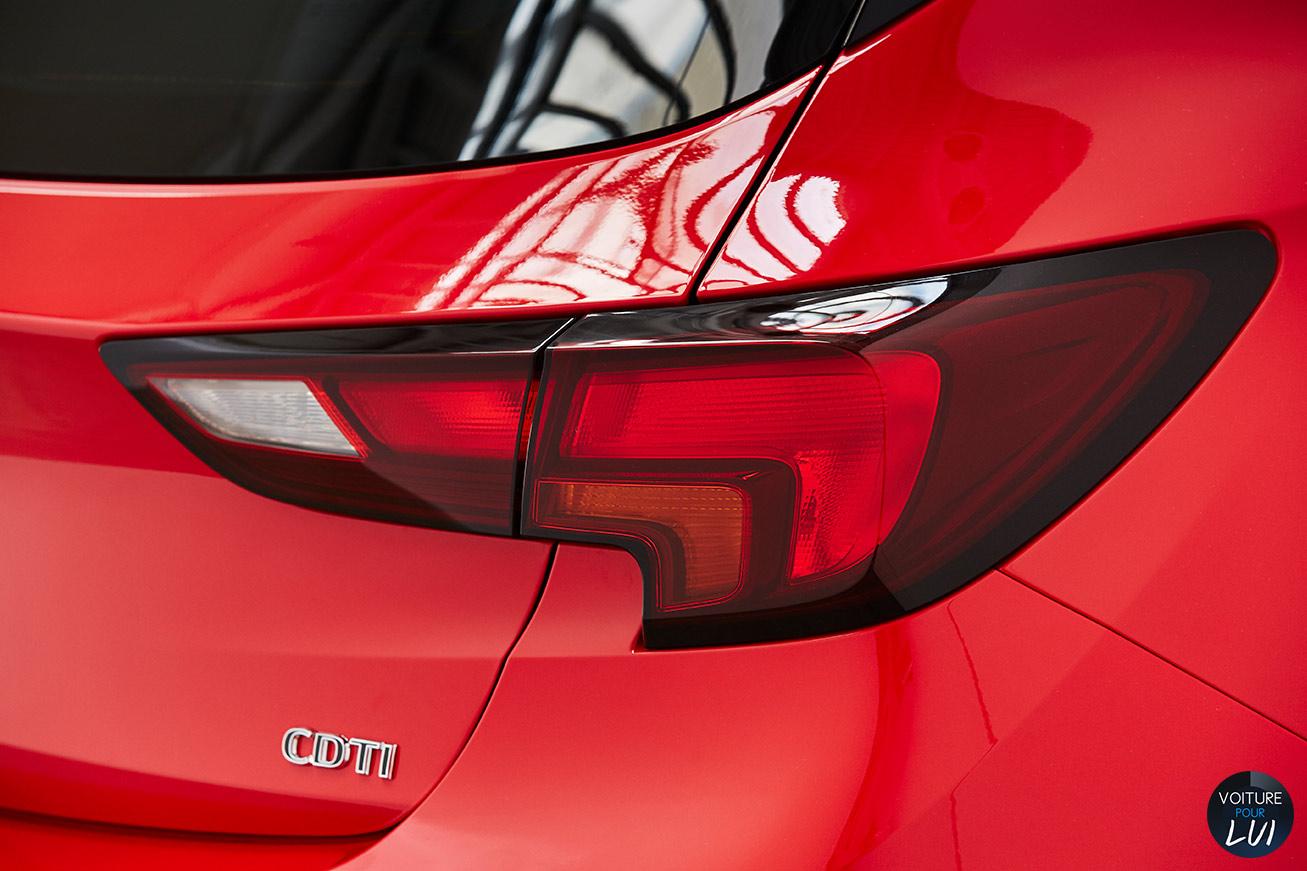 Opel  ASTRA 2015   Arriere  http://www.voiturepourlui.com/images/Opel//Exterieur/Opel_Astra_2015_019_arriere.jpg