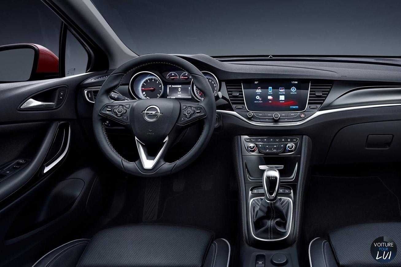 Opel  ASTRA 2015   Profil  http://www.voiturepourlui.com/images/Opel//Interieur/Opel_Astra_2015_008_interieur.jpg