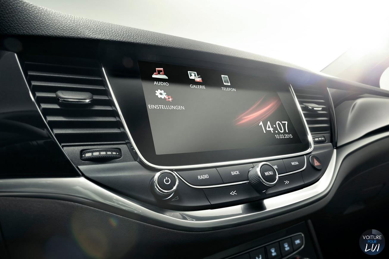 Opel  ASTRA 2015   Design  http://www.voiturepourlui.com/images/Opel//Interieur/Opel_Astra_2015_009_interieur.jpg