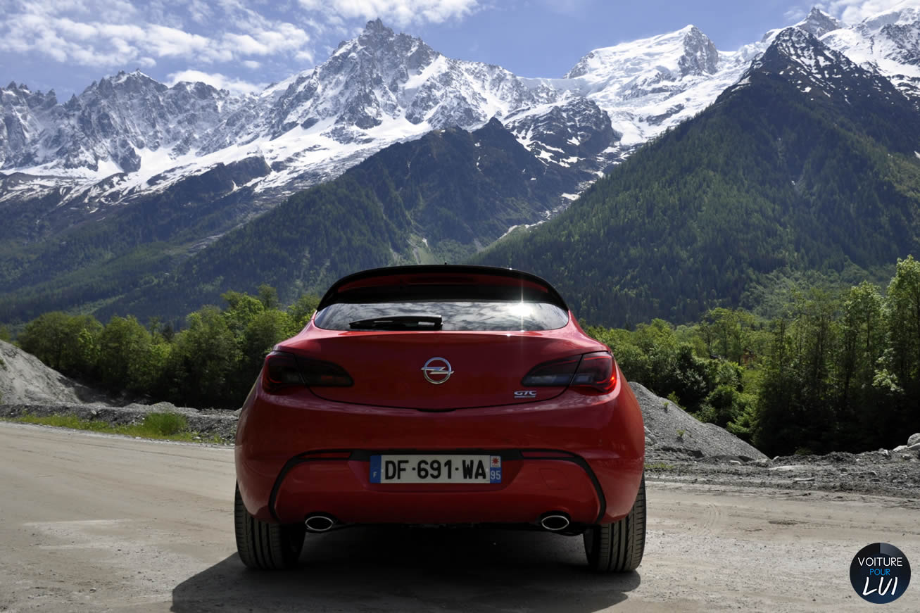 Opel Astra GTC 2014